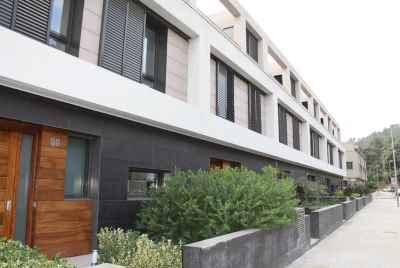 Современный дом в пригороде Барселоны в курортном городе Гаррига с термальными источниками